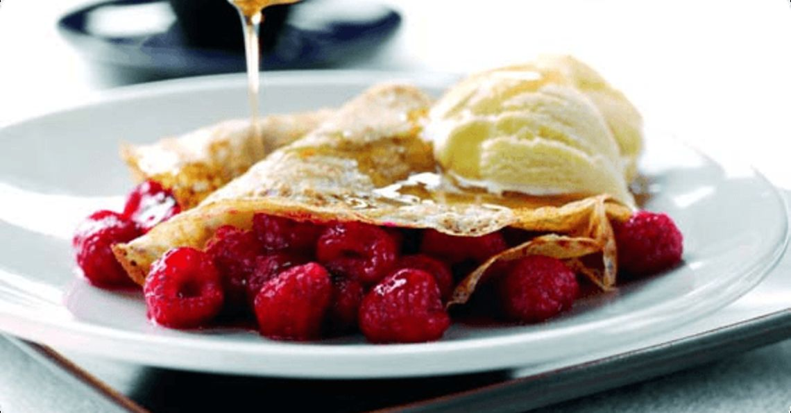 Honey and raspberry pancakes