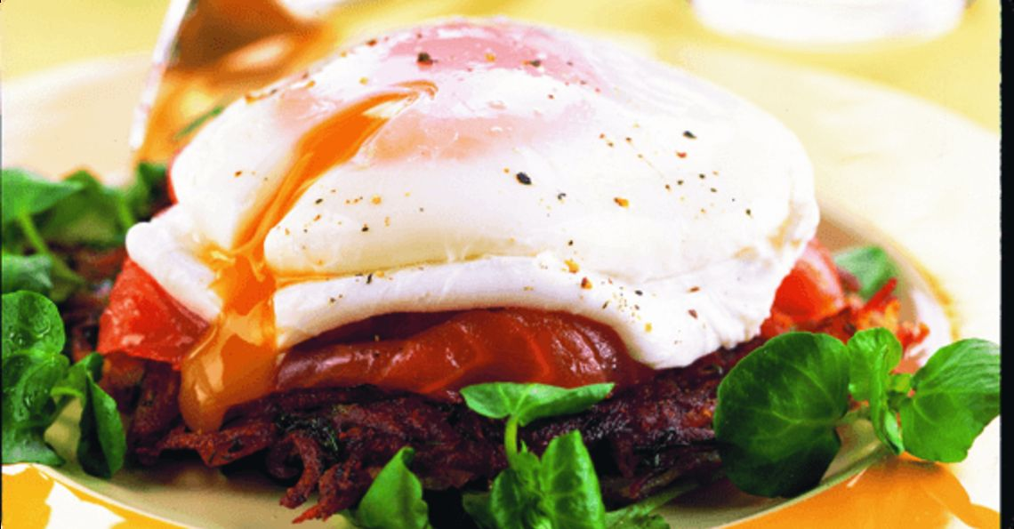 Rosti nests with smoked salmon