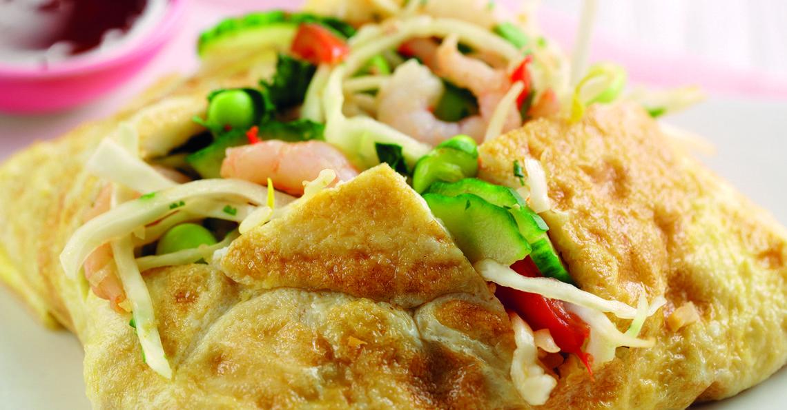 Vietnamese prawn omelette wrap
