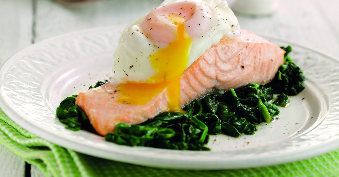 Salmon with poached egg and spinach