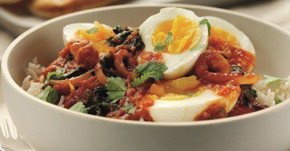 Fiery egg and spinach curry