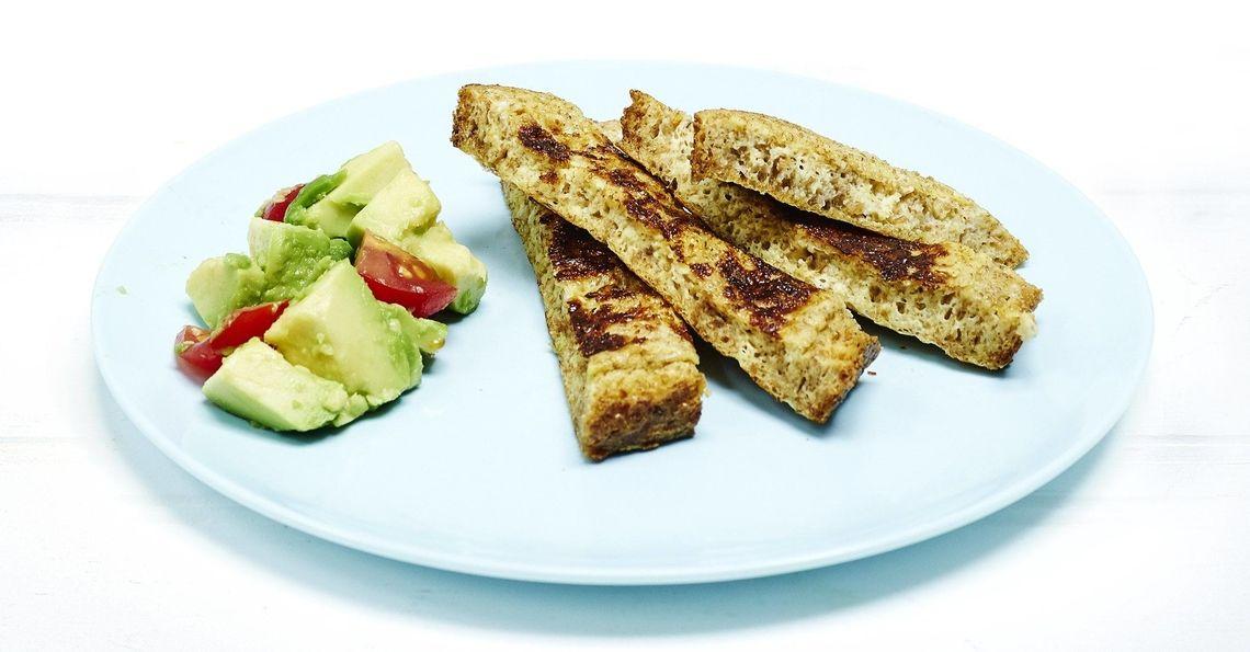 Eggy bread with guacamole