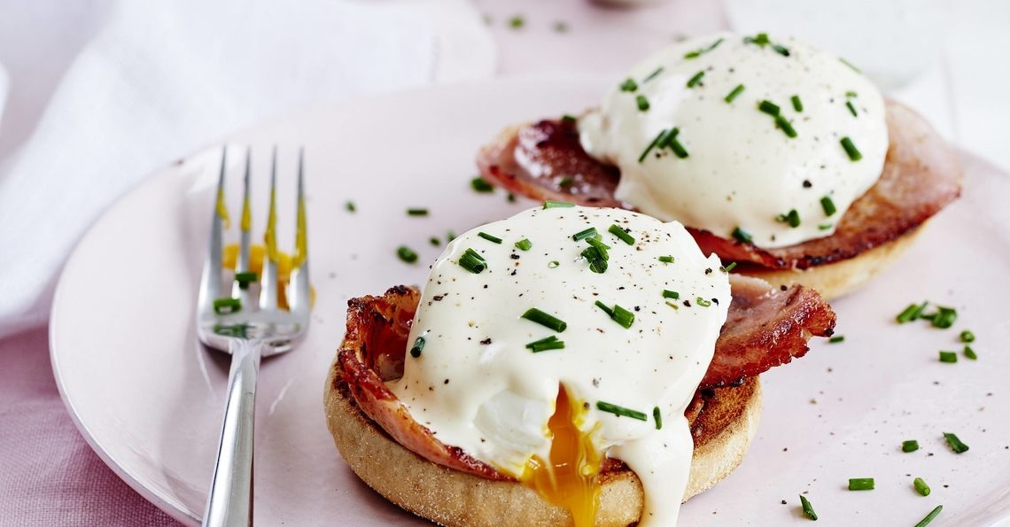 Eggs Benedict with cheats hollandaise