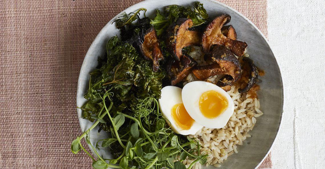 Egg, crispy kale & mushroom rice bowl