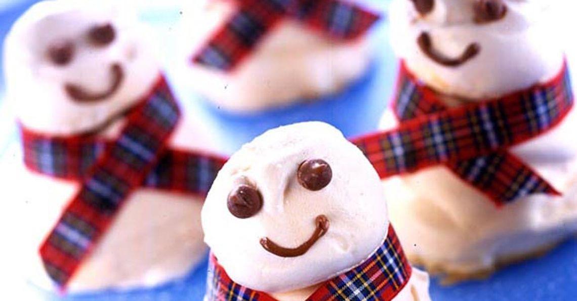 Christmas meringue snowmen