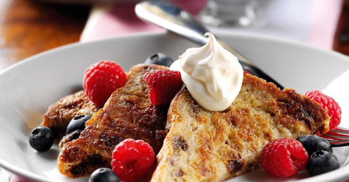 Raisin and cinnamon eggy bread