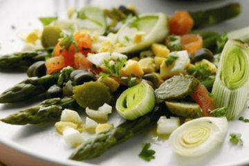 Asparagus and leeks with egg dressing