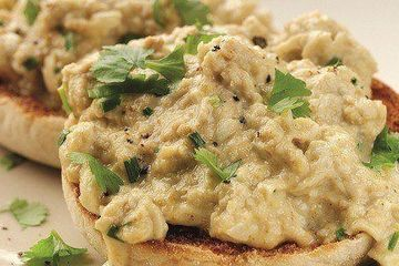 Dean Edwards' masala scrambled eggs