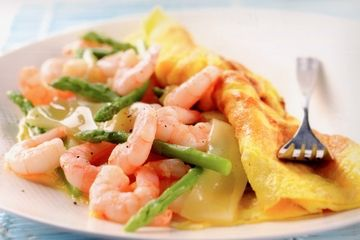 King prawn and asparagus omelette