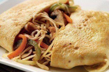Thai style stuffed omelette
