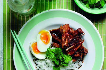 Braised pork parlow with runny eggs