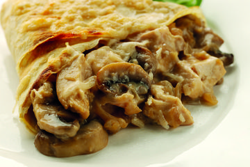 Chicken & mushroom crêpes