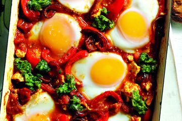 Shakshuka with feta and green salsa - quick one pot