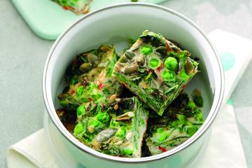 Crunchy pea & kale omelette cubes