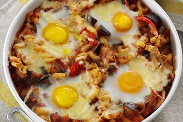 Egg & veg pasta bake