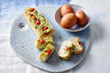 egg, cheese and tomato boats
